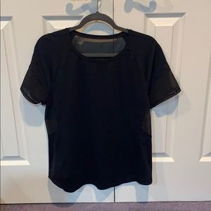 Lululemon half mesh black T size 8